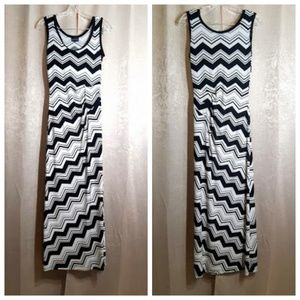 Enfocus Studio Black & White Maxi Dress Size 4